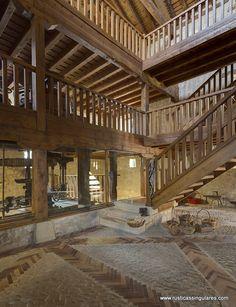 La antigua estructura de construcción agrícola ha sido respetada y es fiel a la tradición arquitectónica de los molinos de agua.
