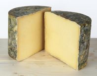 Discover cheeses as they are produced all around the globe Canadian Cheese, Canadian Food, Prince Edward Island, Wine Cheese, Simple Pleasures, Charcuterie, Cheddar Cheese, Queso, Tasty