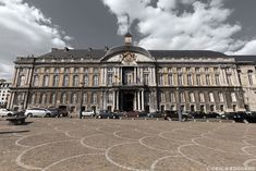 Palais des Princes-Évêques sur la Place Saint-Lambert de Liège © L'Oeil d'Édouard