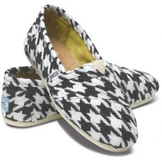 TOMS Scottish Houndstooth Classic Shoes for Women 6.5 ($54) ❤ liked on Polyvore