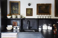 The Woodhouse Lodge: Designer Megan Pflug's Catskills Motor Lodge Makeover (Remodelista: Sourcebook for the Considered Home) Bright Kitchens, Black Kitchens, Home Kitchens, Beautiful Kitchens, Beautiful Interiors, Kitchen Dining, Kitchen Decor, Kitchen Layout, Kitchen Ideas