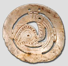 A Mississippian culture transitional Lick Creek style to Citico style shell gorget with a herpetomorphic being motif. Indian Artifacts, Native American Artifacts, Ancient Artifacts, Shell Jewelry, Tribal Jewelry, Winged Serpent, Shell Art, Ancient Civilizations, First Nations