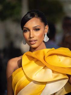 Dewy Makeup, Blush Makeup, Black Girl Makeup, Girls Makeup, Jasmine Tookes, African Beauty, Pretty Woman, Face, Women