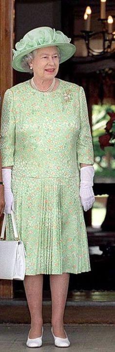 Elizabeth Philip, Queen Elizabeth Ii, Elisabeth Ii, Royal Queen, Queen Dress, English Royalty, Pretoria, Royals, South Africa