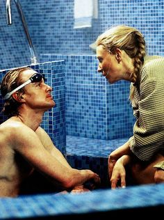 Owen Wilson & Cate Blanchett in the life aquatic with steve zissou (Wes Anderson)