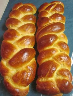 22 Products For People Who Have An Oprah-Level Love For Bread Beignets, Tsoureki Recipe, Challah Bread Recipes, Cake Receipe, Yeast Free Breads, Cabbage Soup Recipes, Jewish Recipes, No Bake Desserts, Baking Desserts