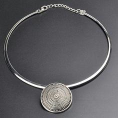 Silver pendant necklace