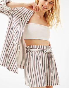 Shorts tailoring cinturón lazo. Descubre ésta y muchas otras prendas en Bershka con nuevos productos cada semana