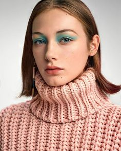 Turtleneck Outfit, Ribbed Turtleneck, Sweater Outfits, Thick Sweaters, Turtle Neck, Knitting, Lady, Womens Fashion, Clothes