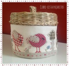 Cose y calla : …Home Sweet Home! Sewing Crafts, Sewing Projects, Diy Crafts, Craft Stalls, Christmas Applique, Fabric Boxes, Hand Applique, Creation Couture, Fabric Gifts