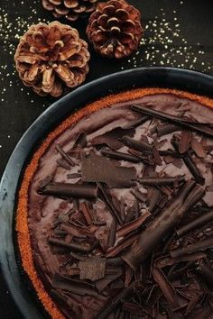 Sweets / Chocolate mousse on biscoff / Pascale Naessens / Recipe NL Sweet Desserts, Just Desserts, Sweet Recipes, Pureed Food Recipes, Baking Recipes, Go For It, Happy Foods, Eat Dessert First, Healthy Sweets