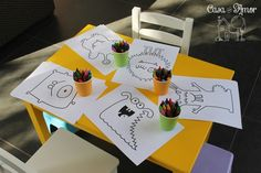 Festa tema monstros - mesinha com monstros para colorir