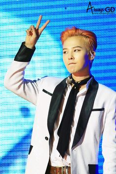 [HQ] 150626 #GD  #BIGBANGMADEinDALIAN  고화질 링크는 곧 공유:D  내일이 월요일이여도 괜찮아 모두 행쇼. 귀요미가수님 보고 힘내세요  #자꾸_젊어져 U  #AlwaysGD