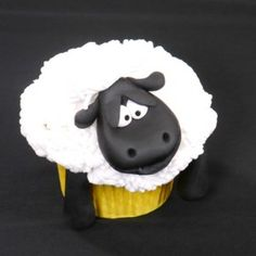 Shaun the sheep cupcake Tutorial