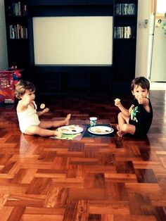 Se fueron los muebles? No hay drama, seamos creativos.... Nos fuimos de picnic a casa!!!! :)))