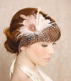 Elfenbein Blush Braut Kopf Stück Feather Fascinator Braut Haar Blume Staubblatt Strass Hochzeit Haar Stück russische Veiling - IDA-Design