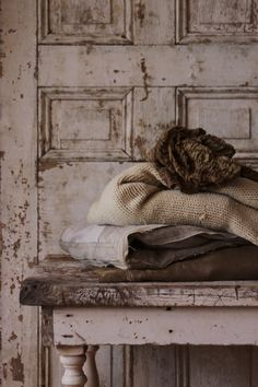 Neutral color fabric so mysteriously chic and a sense of calming and comforting effect even paired with the darkest black it remain clean and fresh. The Darkest, Darkest Black, Antique Paint, Earth Tones, Neutral Colors, Shabby Chic, Beige, Antiques, Calming