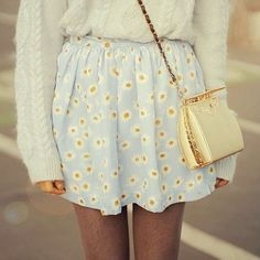 Cute outfit for spring! Dat skirt tho!