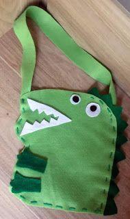 Vestida de Nuvem: mais uma opção em sacolinha da festa peppa pig!o dinossauro do george!