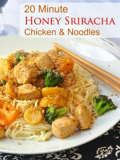 Honey Sriracha Chicken and Noodles - a 20 minute meal! This quick and easy honey sriracha chicken recipe has quickly become a family favorite at our house. Everyone loves the sweet, spicy flavor combination. Rock Recipes, Asian Recipes, Healthy Recipes, Ethnic Recipes, Sweet Recipes, Honey Sriracha Chicken, Food Photo, Food Inspiration, Chicken Recipes