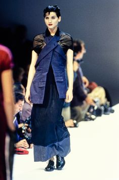 Comme des Garçons Spring 1995 Ready-to-Wear Fashion Show - Michele Hicks