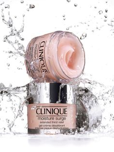 Available at Fenwick Clinique Moisture Surge Extended Thirst Relief. Another great cream to keep in the fridge. I use this religiously before make up or as a 5 minute mask;) One of my Top 4 Clinique products. Lemon Face Mask, Lemon On Face, Clinique Moisturizer, Clinique Makeup, Clinique Gift, Clinique Moisture Surge, Best Skincare Products, Beauty Products, Photo Tips