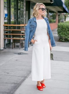 Los Angeles fashion blogger Sydne Summer showcases Sixteen July 4th Outfit Ideas. Shop online to create the looks!