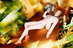 A 46 anni Nicole Kidman ha scoperto di sentirsi diversa.  Campagna  di Jimmy Choo p/e 2014 scattata da Solve Sundsbo