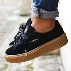 timeless design b0acd 8999c Tendance Chausseurs Femme 2017 – Black Rihanna for Puma Creeper Sneakers  With a Platform Sole…. Tendance Chausseurs Femme 2017 Black Rihanna for Puma  ...