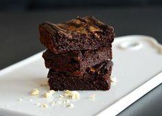 Sunnere og saftig brownies med en peanøtt-swirl | Bakekona | Bloglovin