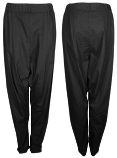 the wide black unisex COSY pants out of 100% organic cotton by format available at WESEN