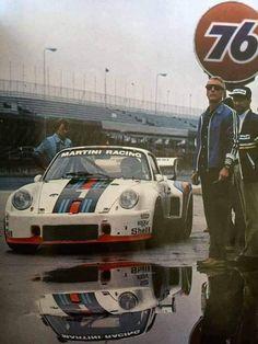 Paul Newman and Porsche racing Porsche 935, Carros Porsche, Porsche Autos, Porsche Motorsport, Porsche Cars, Porsche Classic, Classic Cars, Le Mans, Sports Car Racing
