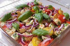 "Rezept: Schichtsalat ""Tomate-Mozzarella"" mit Honig-Balsamico-Dressing"