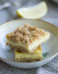Zitronige Cheescake-Schnitten mit chrunchy-Streuseln... lecker fruchtig und…