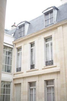 Paris - Le Narcisse Blanc