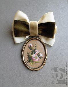 bross, masni, bow, miniature, painting, brooch   ///   Броши ручной работы. Ярмарка Мастеров - ручная работа. Купить брошь-орден с цветами. Handmade. Кремовый, цветы
