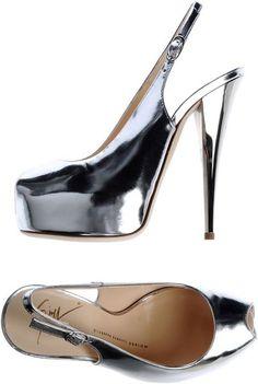 Giuseppe Zanotti ~ Platform Sandals       S