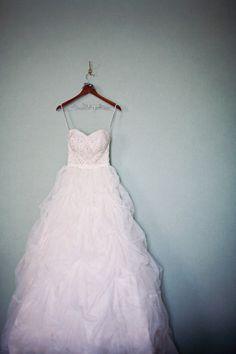Beautiful wedding dress designed by Martina Liana, photo by Alante Photography | junebugweddings.com