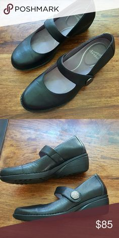 Mary Janes with an orthotic flare. Great quality shoe, orthotic insoles, size 10. Worn twice. Dansko Shoes Flats & Loafers