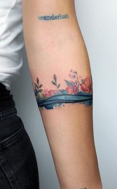 Watercolor Tattoos Will Turn Your Body into a Living Canvas floral watercolor armband © tattoo artist YELIZ OZCAN 💕🌺💕🌺💕🌺💕🌺💕 Trendy Tattoos, Sexy Tattoos, Cute Tattoos, Beautiful Tattoos, Tattoos For Guys, Black Tattoos, Tatoos, Simple Armband Tattoos, Tribal Armband Tattoo