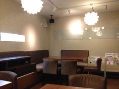 Studio Roomです(*^^) 割と広々とした空間にしています。 ガラスのホワイトボードが決め手です(^O^)  2013.4.24
