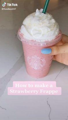 Fun Baking Recipes, Dessert Recipes, Healthy Recipes, Kreative Desserts, Bebidas Do Starbucks, Coffee Drink Recipes, Coffee Drinks, Pink Drink Recipes, Pink Drinks