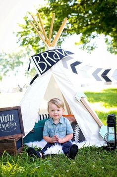 Toddler photos shoot, toddler boy, toddler style, boy style, old navy fashion, teepee photo shoot, toddler photography, photo mini session, wild boy