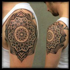Damian Thür Zwiiiliiicht Mandala Tattoo Rüti Switzerland
