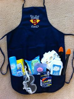 Baby Shower Gifts Daddy diaper duty apron for my son! Shower Bebe, Baby Shower Fun, Baby Shower Parties, Baby Showers, Daddy Survival Kits, Cadeau Parents, Superhero Baby Shower, Diaper Parties, Gifts For New Dads