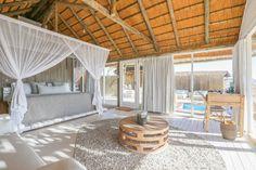 納米比亞沙漠飯店-SOSSUSVLEI-Little-Kulala-Wilderness-Safaris Africa Travel, Us Travel, Wilderness, Safari, Pergola, Traveling, Villa, Outdoor Structures, Patio