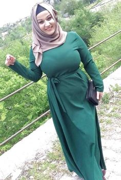 Beautiful Arab Women, Beautiful Hijab Girl, Amazing Women, Arab Girls Hijab, Girl Hijab, Muslim Girls, Arabian Beauty Women, Vrod Harley, Muslim Women Fashion