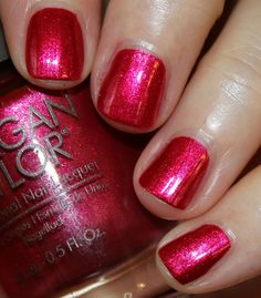 It's not even Halloween yet and I am full-force into holiday 2016 collections, oh my! The Morgan Taylor Wrapped In Glamour Holiday 2016 is a limited Colored Acrylic Nails, Acrylic Nail Art, Gel Nail Art, Nail Nail, Fancy Nails, Cute Nails, Hair And Nails, My Nails, Popular Nail Art