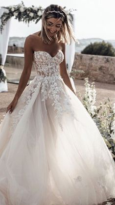 Gorgeous Sweetheart Wedding Dresses For Brides ❤︎ Wedding planning ideas & inspiration. Wedding dresses, decor, and lots more. Sweetheart Wedding Dress, Dream Wedding Dresses, Bridal Dresses, Wedding Gowns, Prom Dresses, Wedding Dress Pink, Strapless Wedding Dresses, Weeding Dresses, Popular Wedding Dresses