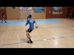 Handball --- Kooperation Kreisläufer + Rückraum - YouTube